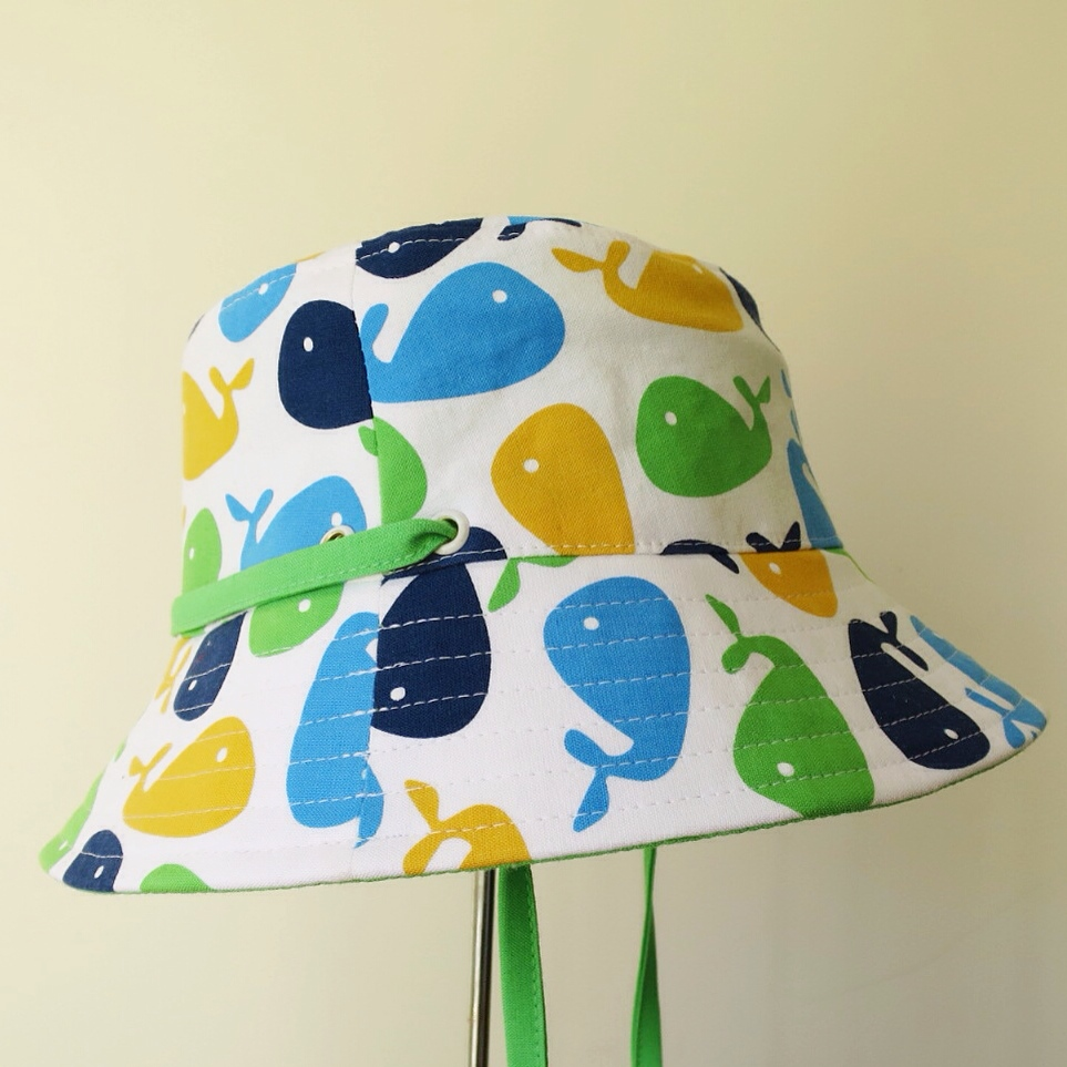 what hat with green inside